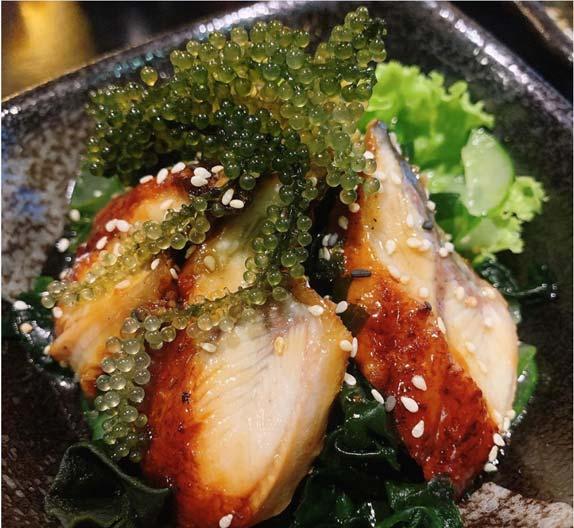 Salad rong nho thịt gà