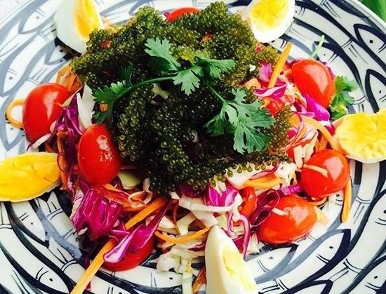 Salad rong nho trứng