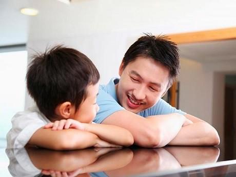làm sao để trẻ tâm sự với cha mẹ